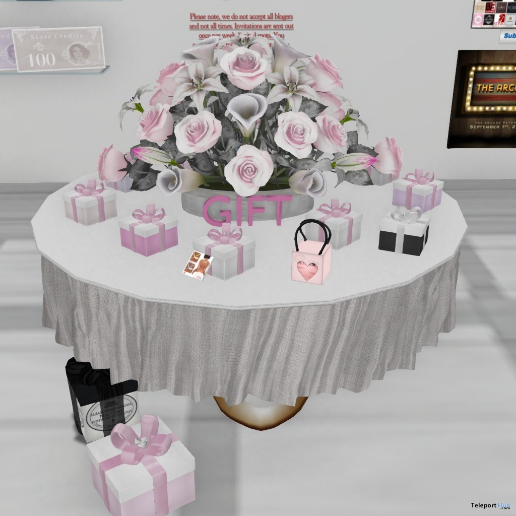 Ton of Outfits and Accessories Gifts by Mon Cheri - Teleport Hub - teleporthub.com