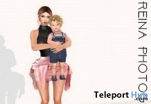 Family Pose With Backdrop FA0050 April 2019 Gift by Reina Photography - Teleport Hub - teleporthub.com